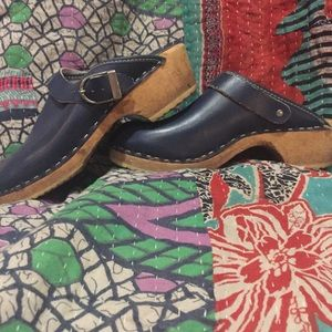 Lands end navy leather wooden clogs.